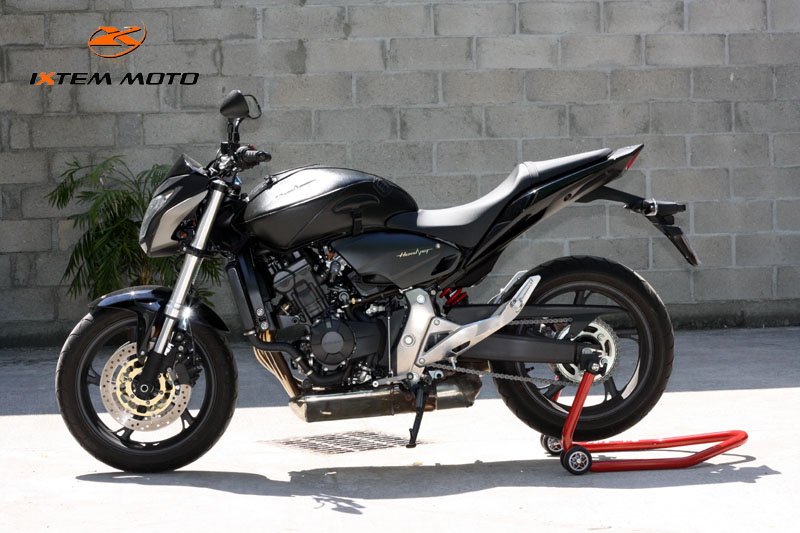 bequille atelier moto hornet