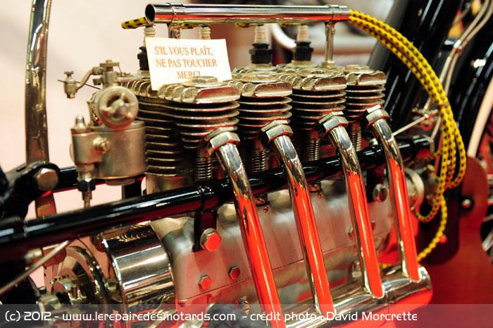 moto 4 cylindres en ligne