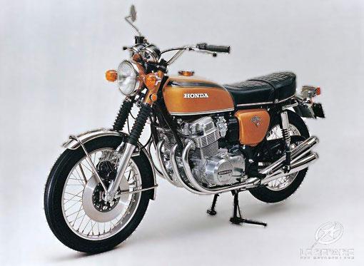 moto quatre cylindres